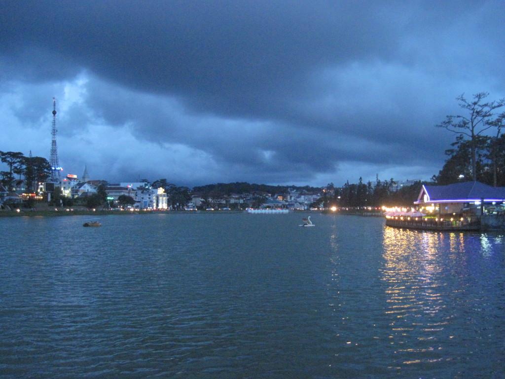 3. Озеро Суан Хыонг;