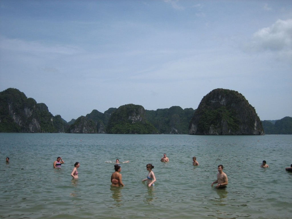 Ha Long Beach