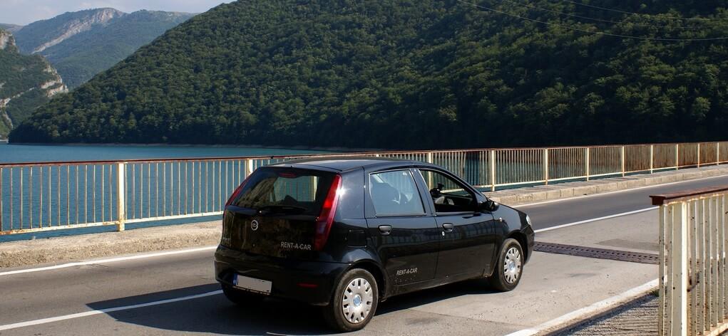 Аренда машин в Черногории (1)
