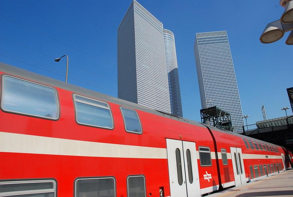 Поезд из аэропорта в Тель Авив