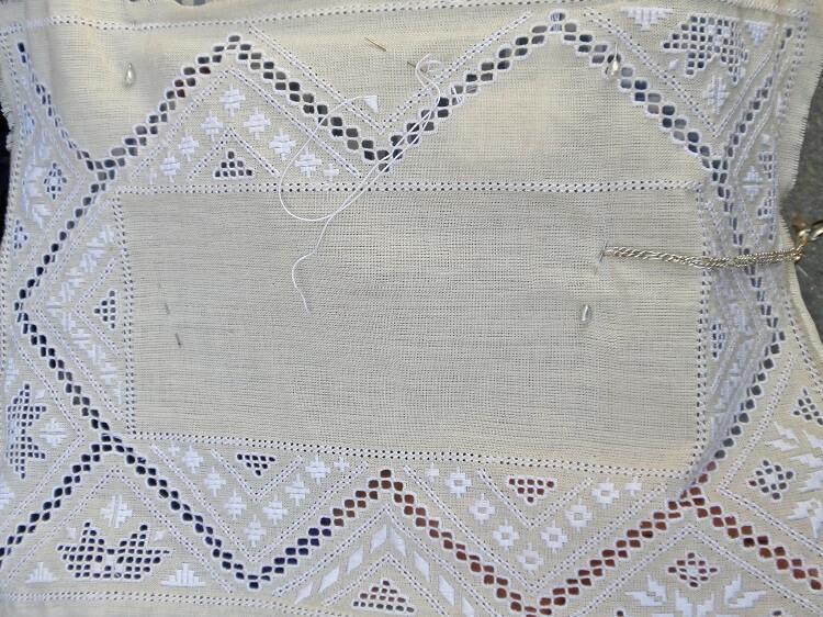 Традиционное кружево и вышивка