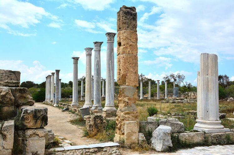 Руины античного города Саламин
