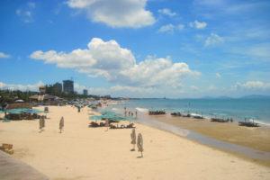 Пляж Вунгтау днём